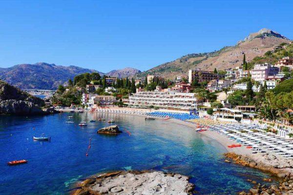 Таормина – пляжи и отдых на курорте Италии