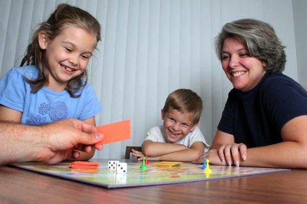 Что нужно учитывать при выборе правильной игры для ребенка?